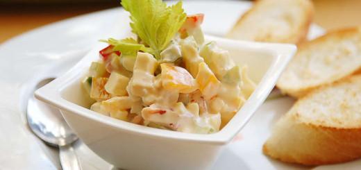 Zeleninový salát s vajíčkem