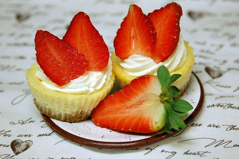 Valentýnský jahodový cheesecake