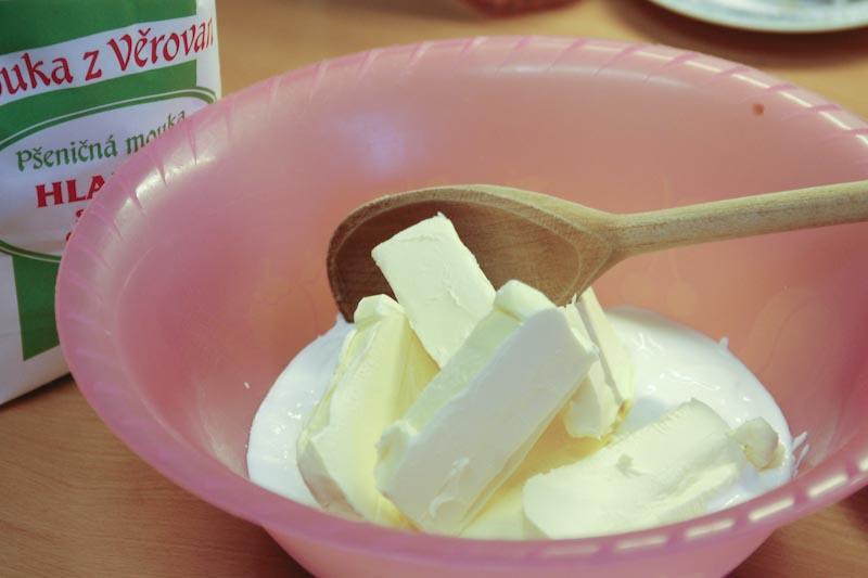 Smícháme jogurt se změklou Herou