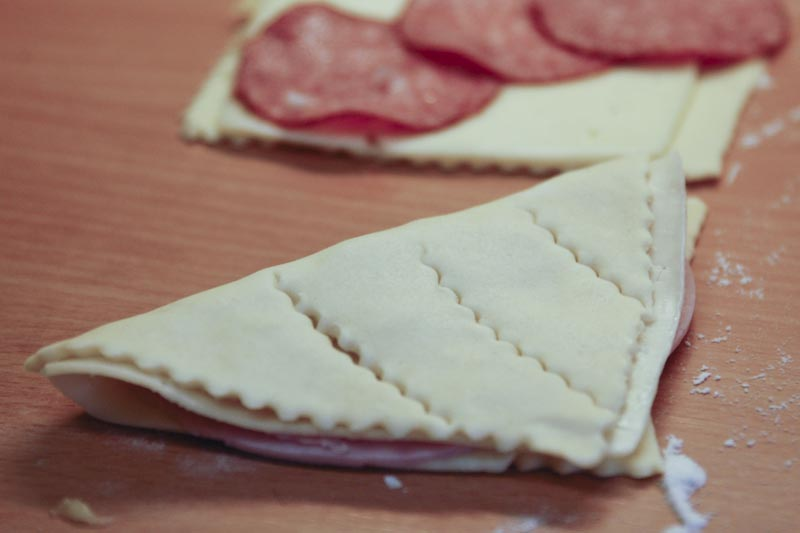 Salámovo - sýrová taštička